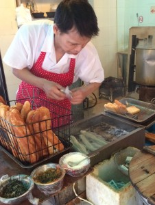 Shanghai Doughnut Being Cooked