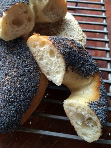 rsz_bagel_sliced_open