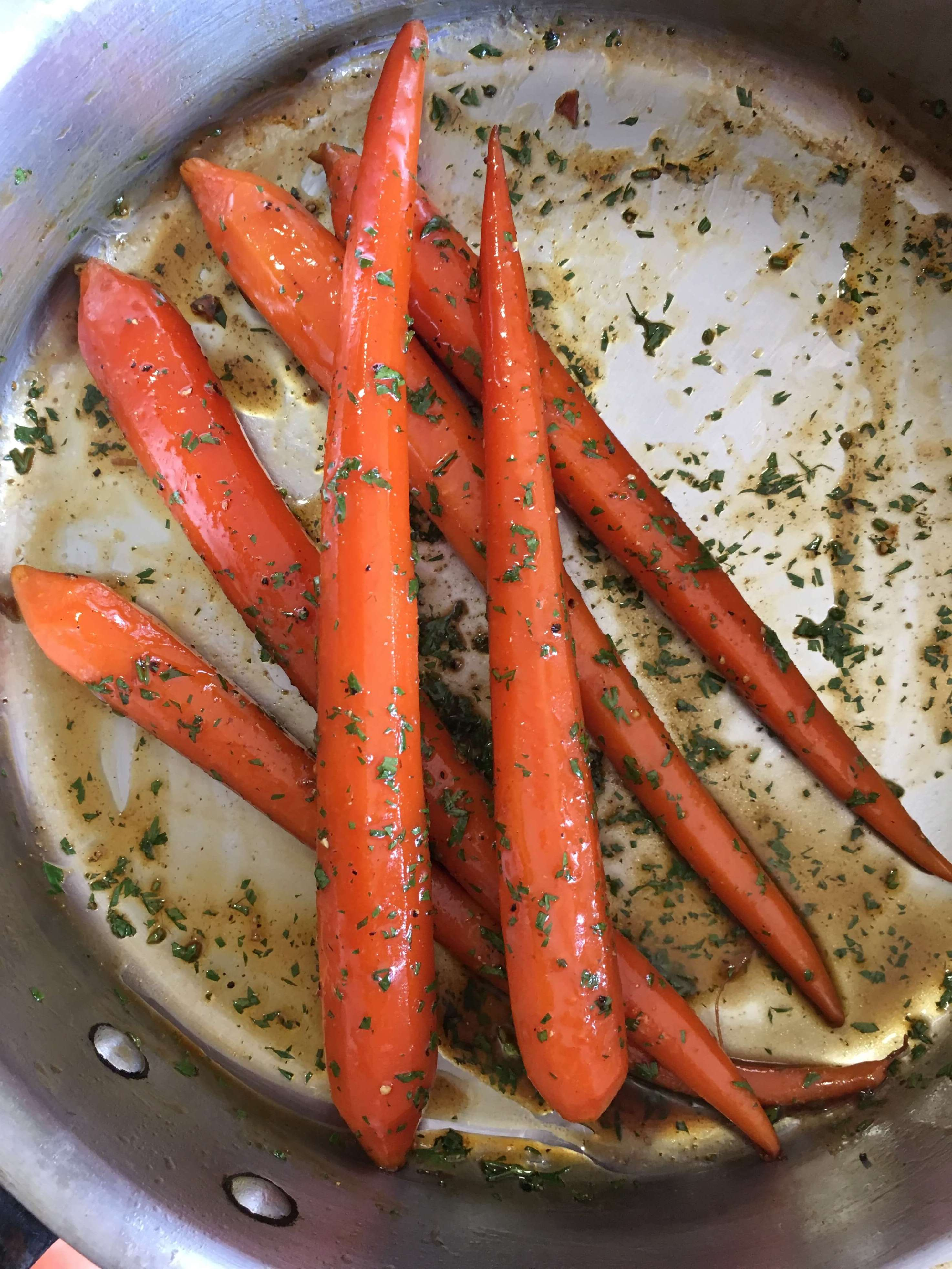 Honey-Glazed Carrots with Coriander and Black Pepper