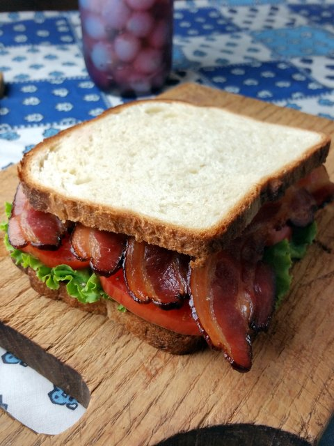 BLT o Butter Topped Toasting White Sandwich Bread