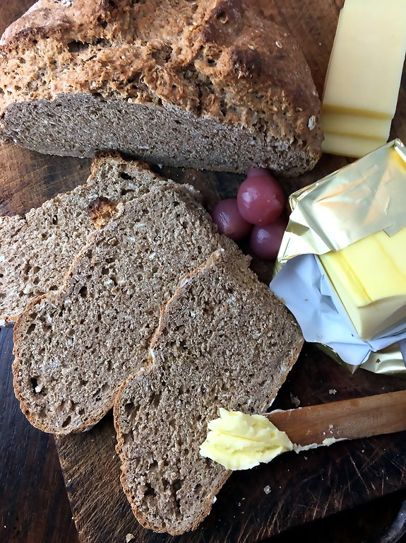 irish-wheaten-bread-with-imported-butter