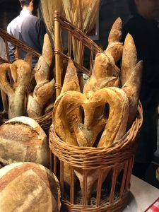 Best Baguette New York 2018 Basjket with Heart Shaped Baguettes