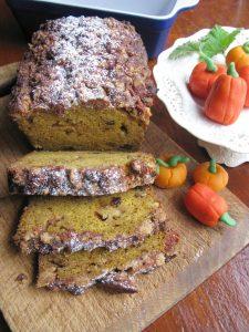 Pumpkin Raisin Apple Cake