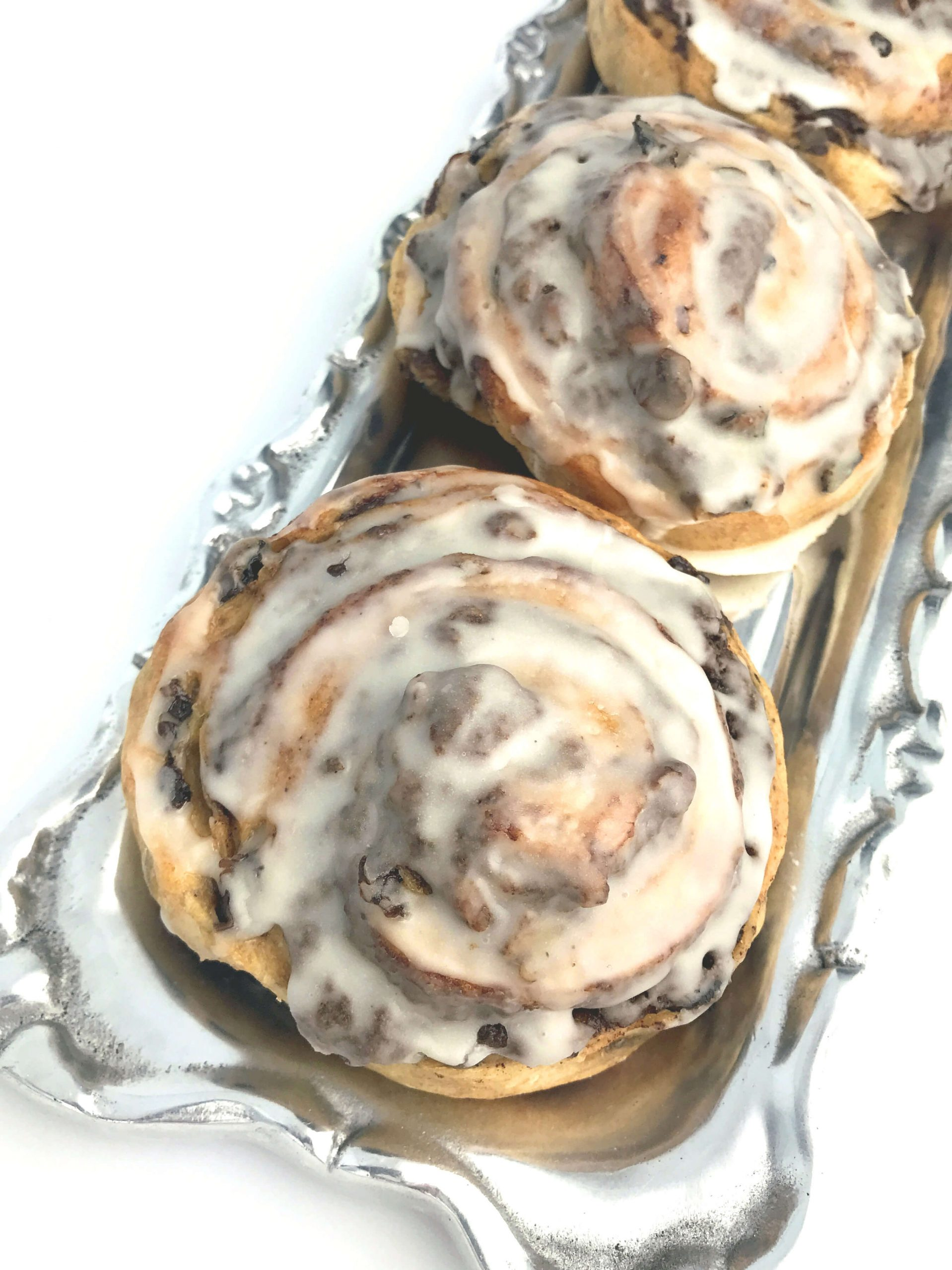 Lemon Glazed Cinnamon Raisin Buns