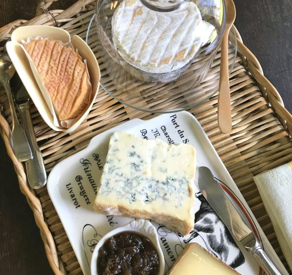 How to Host a Cheese tasting sampler